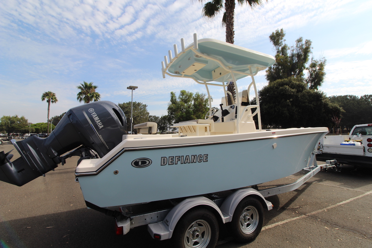 HH Marine_San Diego_Defiance 210 Catalina